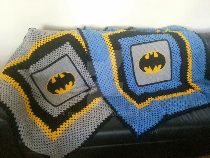 This is an order I just finished  the blanket was a customs request from my face book page crochet a dream.first time ever I atepted to do an crochet graph so happy with the finished product&n...