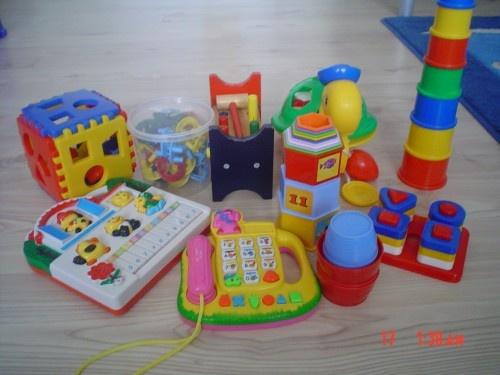 hračky 6- 24 mes. za 20€
