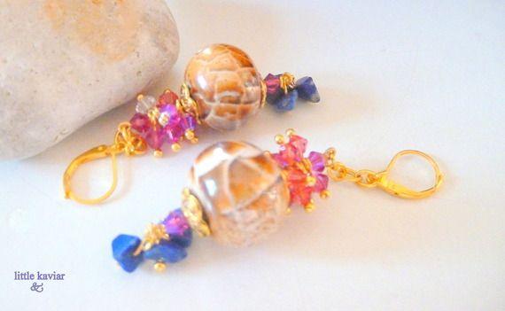 Boucles d'oreille marron écailles de tortue, africaine chic céramique lapis lazuli bleu, modèle unique  Cristal de Swarovski