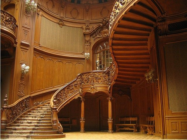 89 best grand staircases images on pinterest grand for Luxury staircase