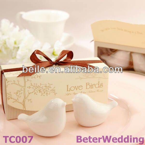 Love Birds Ceramic Salt and Pepper Shakers Wedding Gifts TC007 #weddingfavors, #babyshowerfavors, #Thank you gifts #weddingdecoration #jars #weddinggifts #birthdaygift #valentinesgifts #partygifts #partyfavors #novelties #Souvenirs #BeterWedding