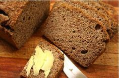 This bread is made from banting-friendly ingredients such as almonds, desiccated coconut and coconut oil. The bread will be ready to eat in 45 minutes, which includes the prep and baking time! 100 g flax or linseed 100 g almonds 30 g dessicated coconut 1.25 ml bicarb of soda 5 ml baking powder 5 ml [...]