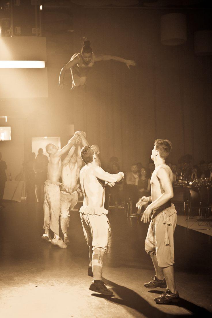Spektakl akrobatyczny grupy Everest.