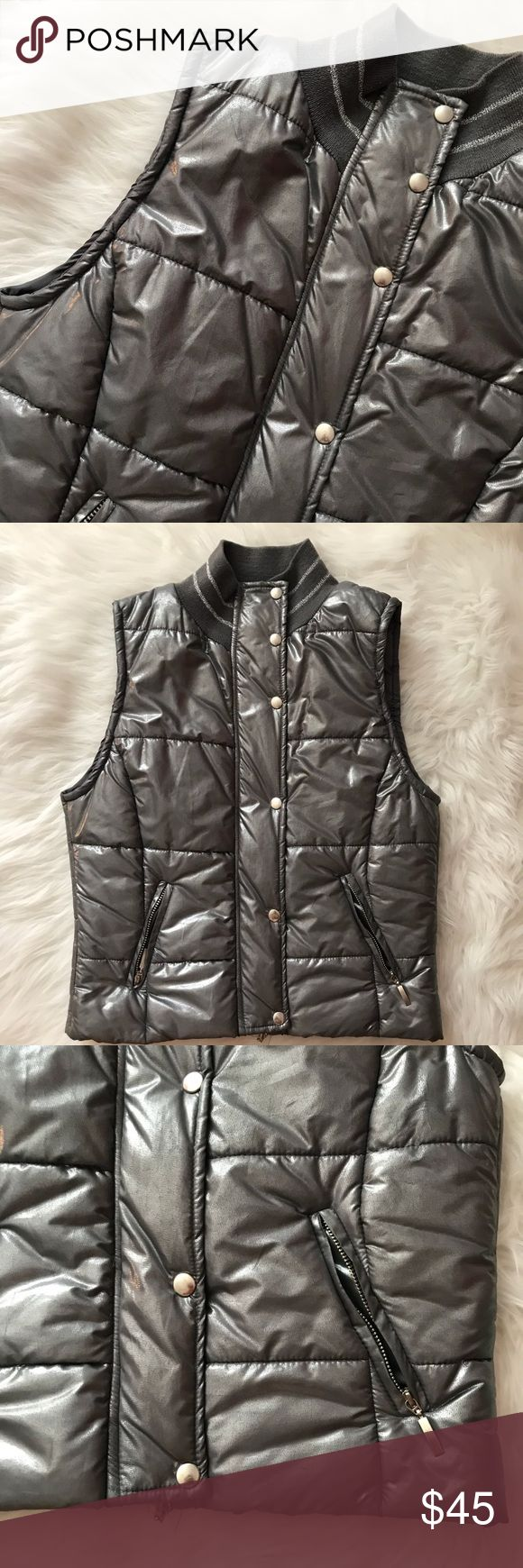 Motive Italian Metallic Silver Vest sz Small Trendy silver metallic puff vest from Italian Brand Motivi. Size Small. Excellent condition. Motivi Jackets & Coats Vests