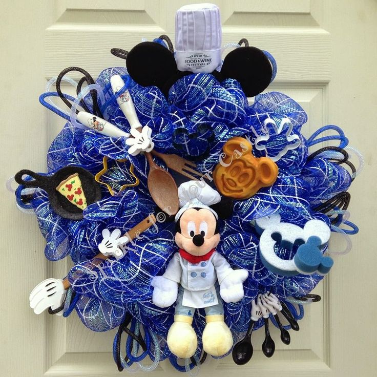 My Disney Life: Fun Find: Sparkle For Your Castle.  Mickey Mouse Kitchen Wreath designed by Sparkle For Your Castle on Etsy.