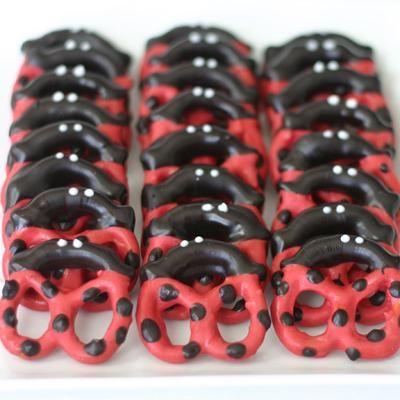 Ladybug Pretzels {Edible Craft}