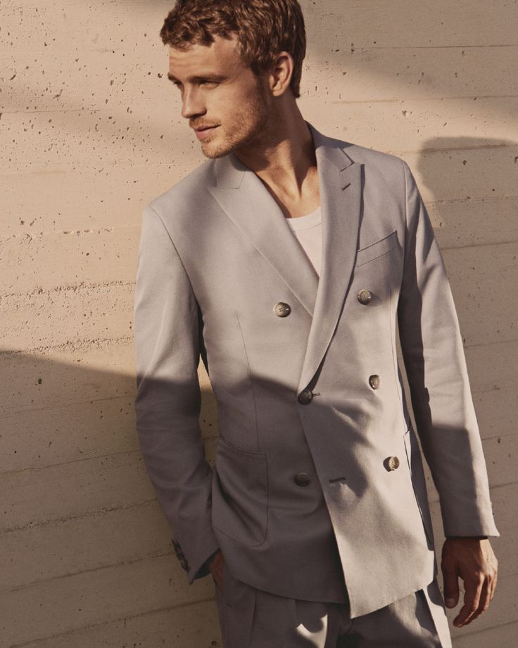 Light and easy: new double-breasted tailoring from the Spring/Summer collection #SummerOfEase