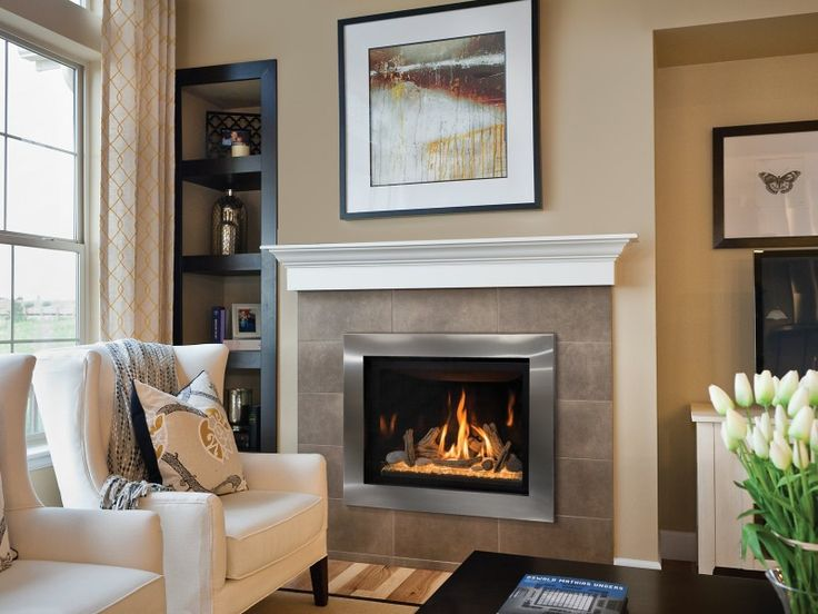 The Delano 36S direct vent gas fireplace contains an IPI modulating valve system with our Komfort Kontrol full functioning remote control that controls the flame, fan and light kit.