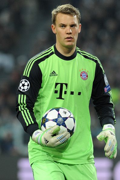 Manuel Neuer of FC Bayern Muenchen looks on.during the UEFA Champions League quarter-final second leg match between Juventus and FC Bayern Muenchen at Juventus Arena on April 10, 2013 in Turin, Italy.