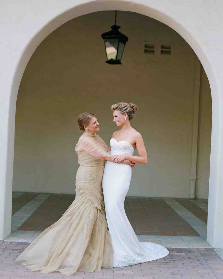 Help moms look their best and keep everyone happy with our solutions for common wedding conundrums.