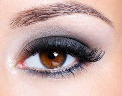 Voorbeelden makeup oogschaduw bij bruine ogen | Rubriek.nl