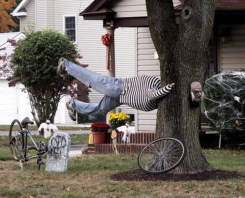 439 best outside halloween decorations images on pinterest halloween decorating ideas for outside outdoor halloween decorations photo gallery workwithnaturefo
