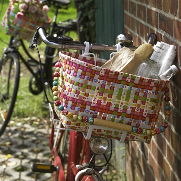 Ribbon Basket: Could use the wire frame from another (older) basket to make this. LOVE the beaded handle!