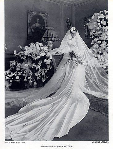 """Never had the """"Big""""wedding, but if I had, I just ADORE the style of these old dresses from the 30's and 40's!!  This one is from 1939."""