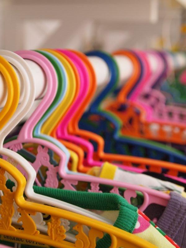 Prettiest little hangers. That's vintage for ya.
