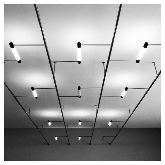 The School of Bauhaus/ bauhaus meisterhäuser leuchte