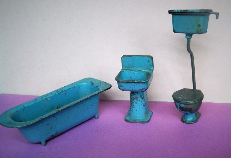 CODEG (COWAN DE GROOT) FAIRYLITE VINTAGE 50s LEAD DOLLS HOUSE BATH TOILET BASIN