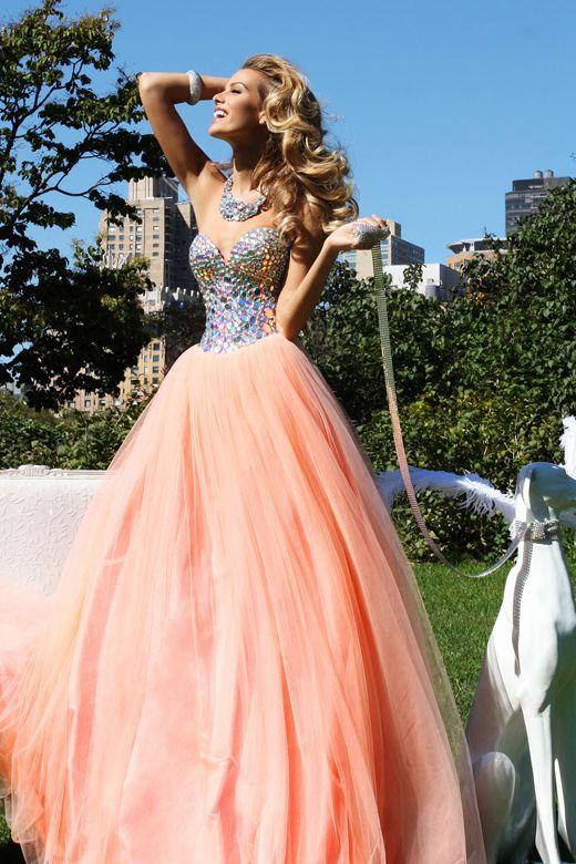 Glistening Sweetheart Tulle Prom Dress Beaded With Shiny Rhinestone USD 159.99 VPH1GZLDT - VoguePromDresses