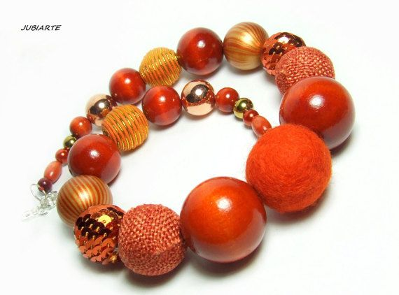 BOA CHILI PEPPERS Necklace Wooden Necklace Felt Balls by JUBIARTE