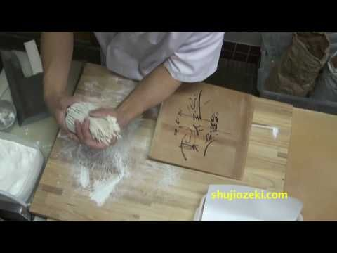 Making soba noodles