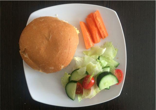 Easy Homemade Chicken Burgers #food  #foodblog #foodblogger #meal #mealidea #recipe #chicken #burger #chickenburger