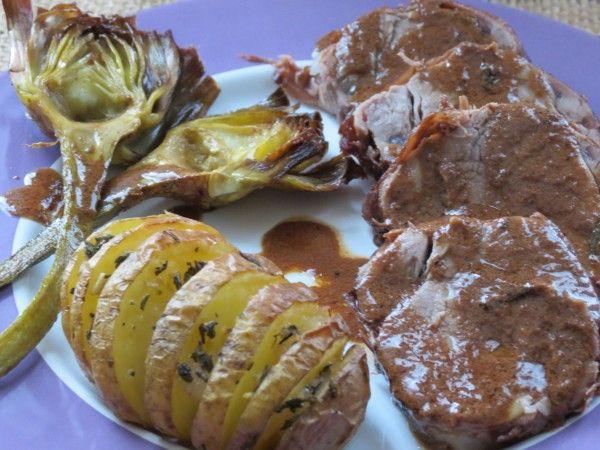 ариста из свиной вырезки с жареными артишоками и запеченным картофелем