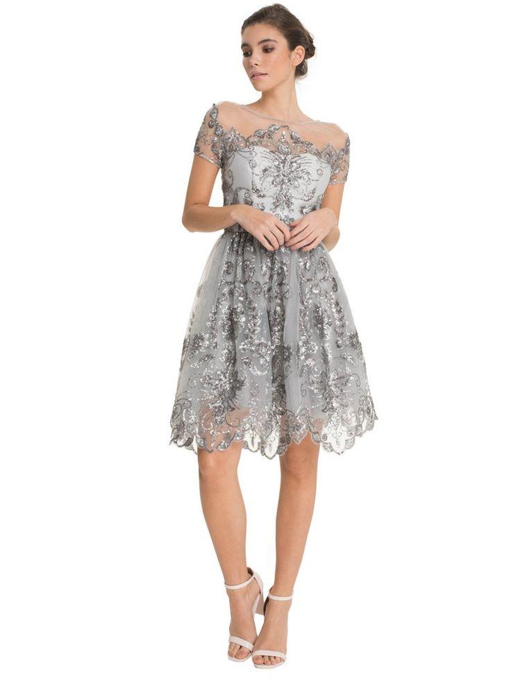 Vestido gris plateado en encaje y lentejuelas maravilloso para fiestas