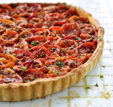 Taart van geconfijte tomaat