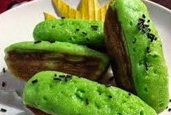 RESEP KUE PUKIS PANDAN ENAK LEZAT Resep Kue Pukis Pandan Enak Lezat– Kue Pukis adalah salah satu kue yang termasuk kue basah dengan memiliki khas nusantara yang sangat lembut dan mudah sekali bunda jumpai di toko maupun di warung. Adonan Kue Pukis terbuat dari bahan gula pasir, telur, ragi, tepung terigu serta santan. Cara...  http://foodfocus.info/resep-kue-pukis-pandan-enak-lezat/?utm_source=PN&utm_medium=Resep+Bunda&utm_campaign=SNAP%2Bfrom%2BFoodfocus.info