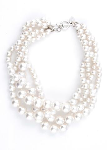Multi-strand pearl necklace.Fashion, Pearls Necklaces, Clothing, Southern Girls, Pearl Necklaces, Lauren Elan, Jewelry, Multi Strand Pearls, Chunky Necklaces