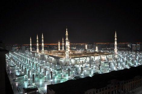 Masjid an-Nabawi at Night (After `Isha)