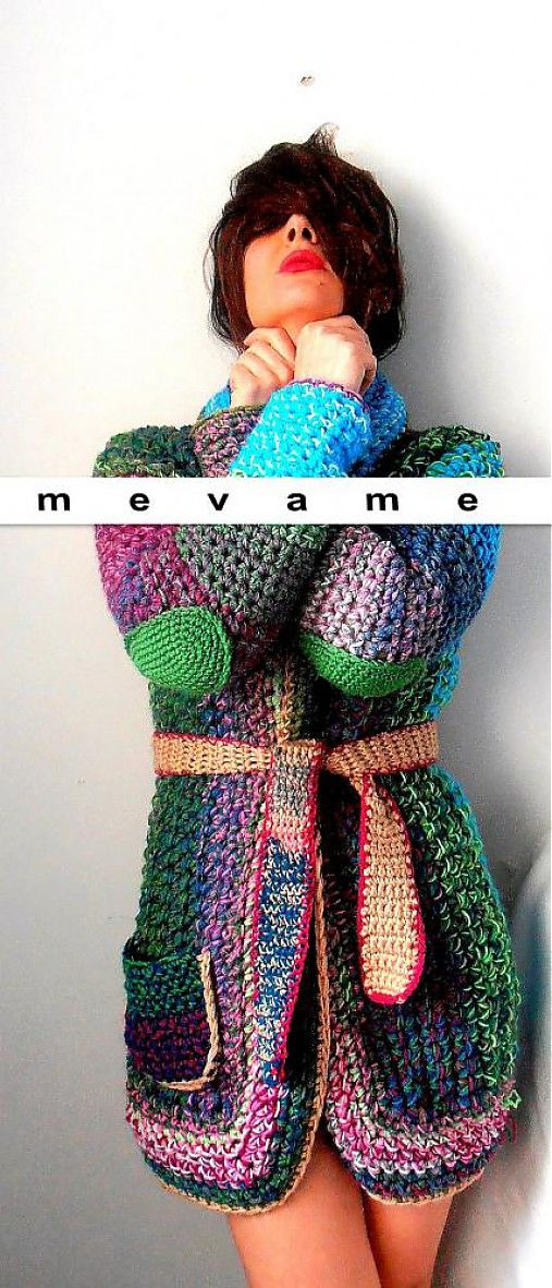 mevame / There is no pattern for this one! |Top for sale on Sache. The bright colours are very nice!