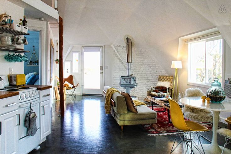 Dome in the Desert in Joshua Tree - Get $25 credit with Airbnb if you sign up with this link http://www.airbnb.com/c/groberts22