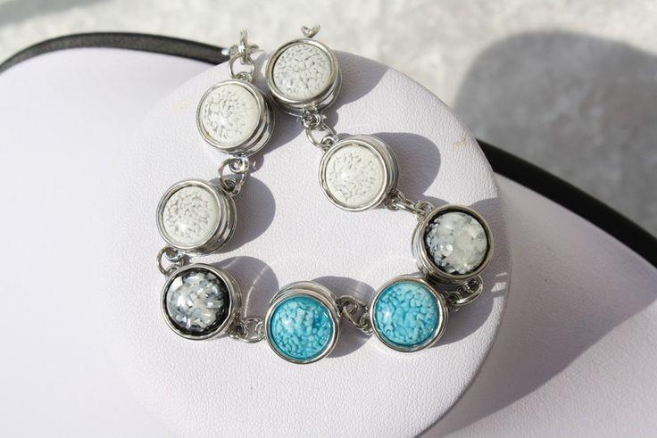 Armreife - Kette Anhänger Armband Ohrringe türkis weiß - ein Designerstück von trixies-zauberhafte-Welten bei DaWanda