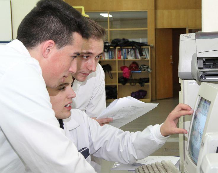 Comparando resultados em Técnicas Instrumentais de Análise. Comparing results on Instrumental Techniques of Analysis. © Serviços de Imagem IPB