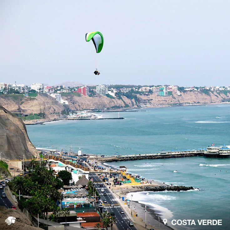 Costa Verde. Lima. Perú. Visita más de 20 playas, donde es posible realizar parapente. Los meses de verano son los de mayor afluencia.