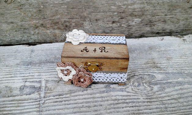 Cuscini per le fedi - Scatola Anello di nozze - un prodotto unico di Laurnika su DaWanda