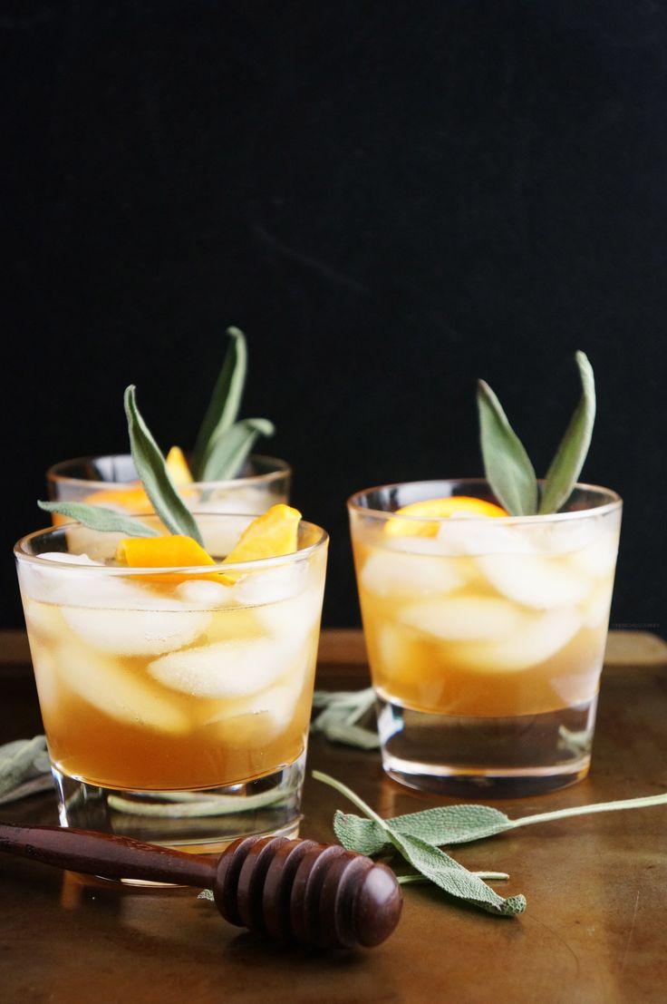 honey winter bourbon cocktail with honey sage syrup // a great drink for entertaining