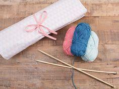 Tutorial fai da te: Custodia in tessuto a rotolo per ferri da maglia fai da te  via DaWanda.com