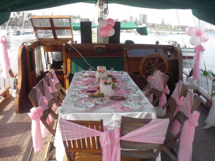 Teknede Nişan Organizasyonu Nasıl Yapılır? En İyi Tekne Nişanı Fikirleri