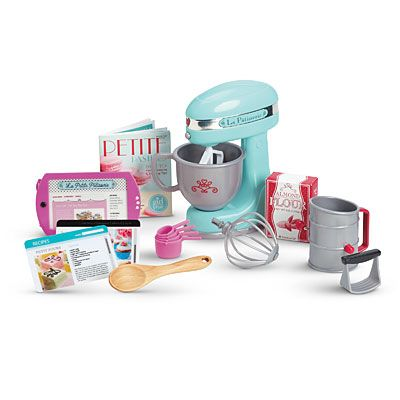 Grace Thomas baking set LOL That laptop.....Seriously AG, not everyone has enough money to give their nine year old a tablet