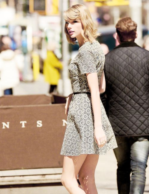 Taylor Swift Short Hair Short Hair Outfits Pinterest