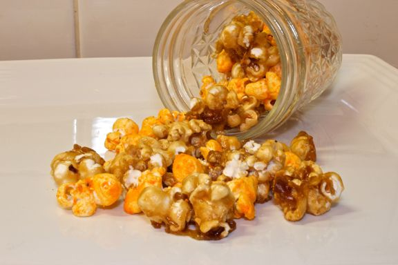 Chicago Mix Popcorn, had this from Garretts Popcorn awhile back, and made it today! Super easy and delicious.