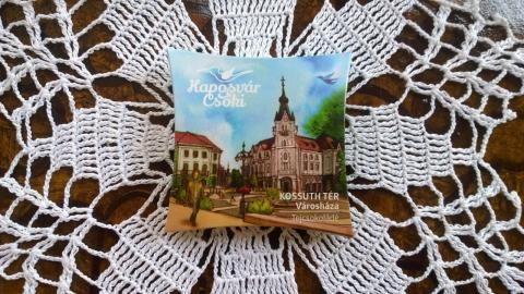 """Bemutatták a """"Kaposvár csokit"""" a Városházán a Turisztikai nyitó konferencián."""