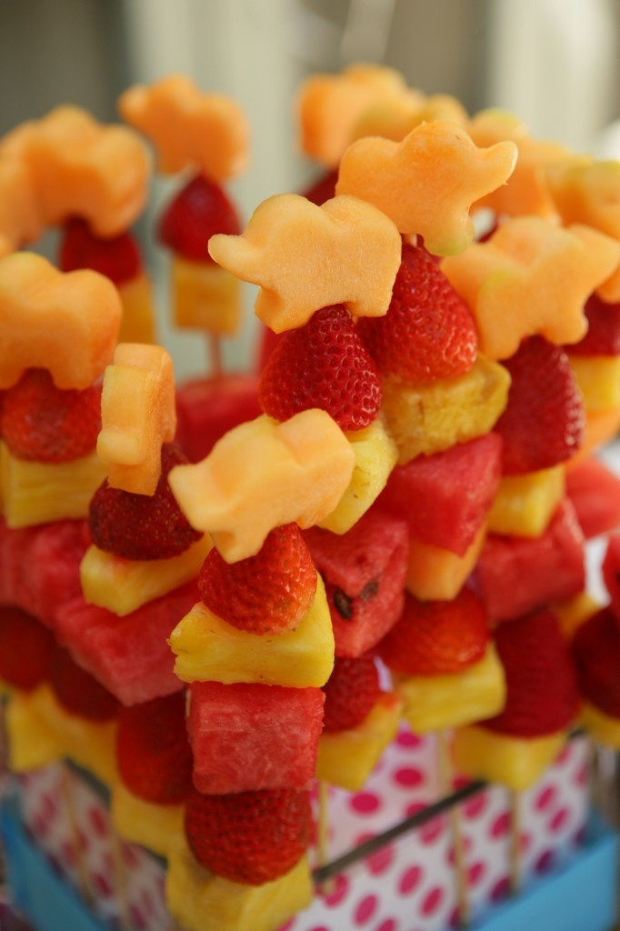 Elephant fruit skewers! I want to do this with hummingbirds instead