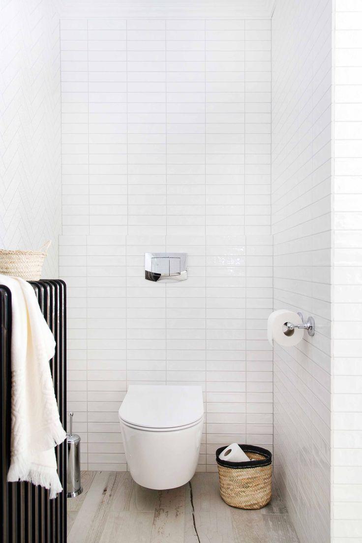 Dankzij een nieuwe spoeltechniek heeft het hangende toilet geen spoelrand meer. Dat maakt uw toilet hygiënischer en schoonmaken gaat een stuk sneller. Door het softclose-systeem valt de toiletzitting niet met een klap dicht. De moderne drukplaat heeft toetsen voor waterbesparend spoelen en is voorzien van een inworpschacht voor reinigingstabletten.