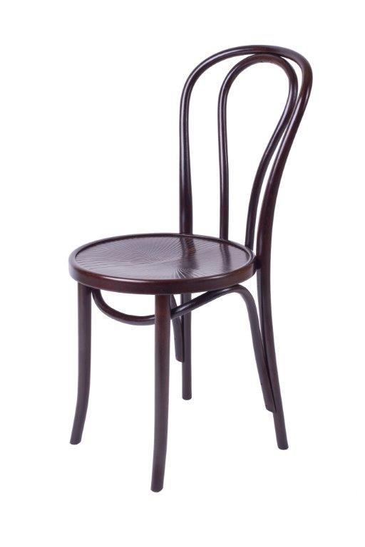 Klasyczne krzesło gięte, wykonane w tradycyjnej technologii opracowanej ponad 150 lat temu przez M. Thoneta. Drewno bukowe.
