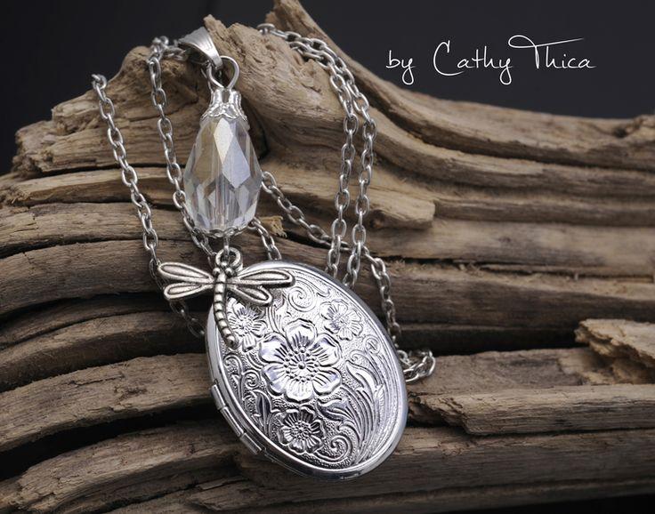 Medaillonketten - Medallion mit Perle & Libelle - ein Designerstück von Cathy-Thica bei DaWanda