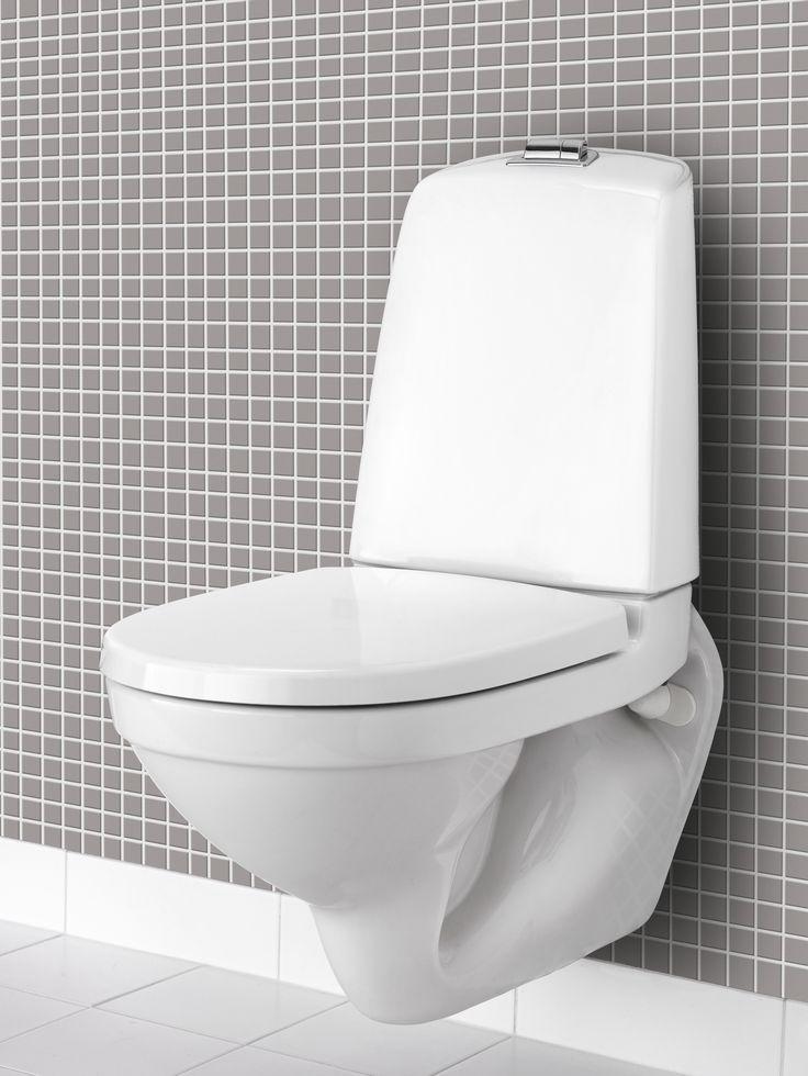 Vägghängd toalett Nautic. Med öppen spolkant för enklare rengöring.