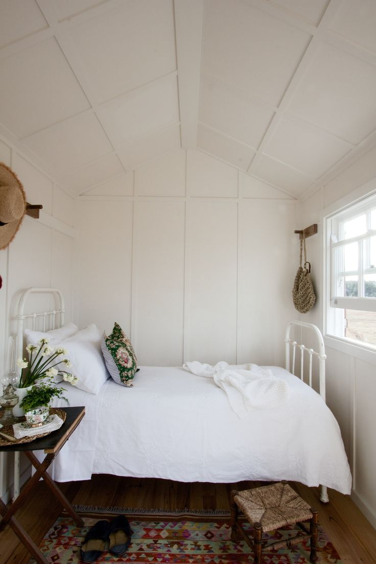 967 best farmhouse bedrooms images on pinterest basement on bedroom furniture design small rooms id=77498